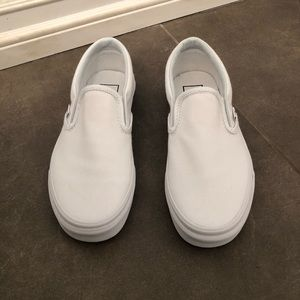 BRAND NEW Women Size 6 Slip on Vans